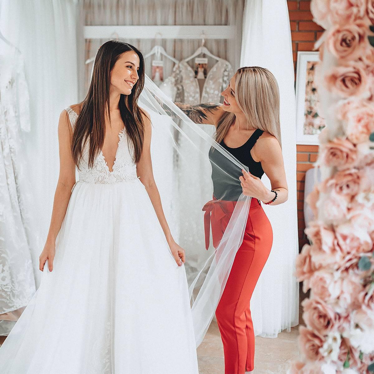 elody svatební šaty